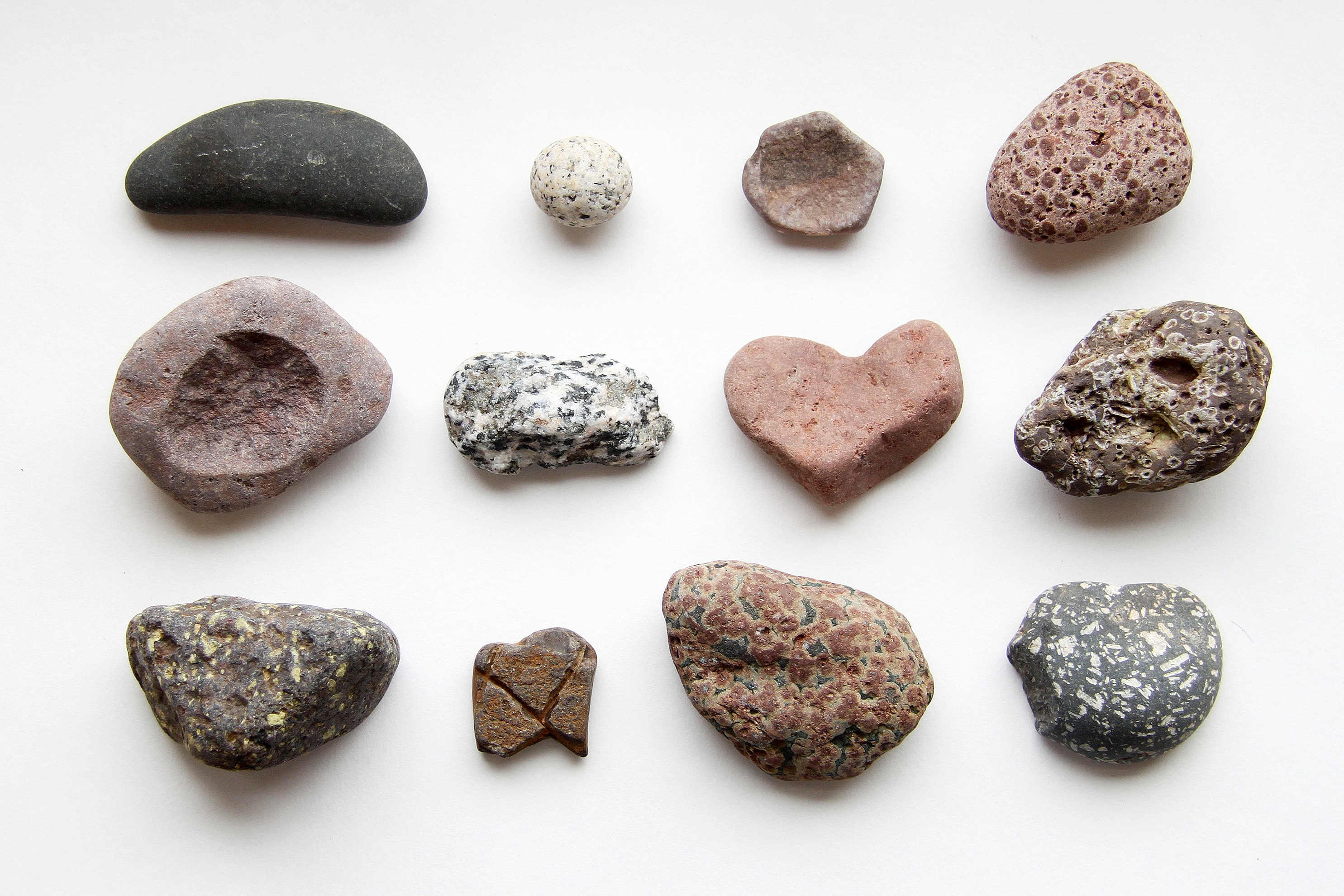 lake superior beach rocks